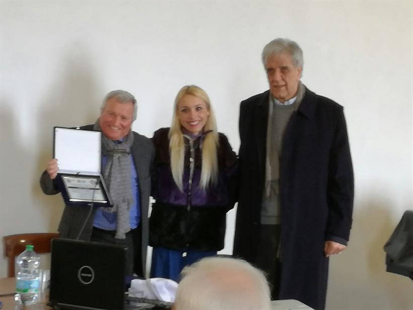 Giudici Di Gara Fci Lazio A Sx Il Presidente Della Cgg Lazio Luigi Patrizi Premiato Con La Medaglia D'oro Per La Lunga E Professionale Attività Svolta Nella Fci