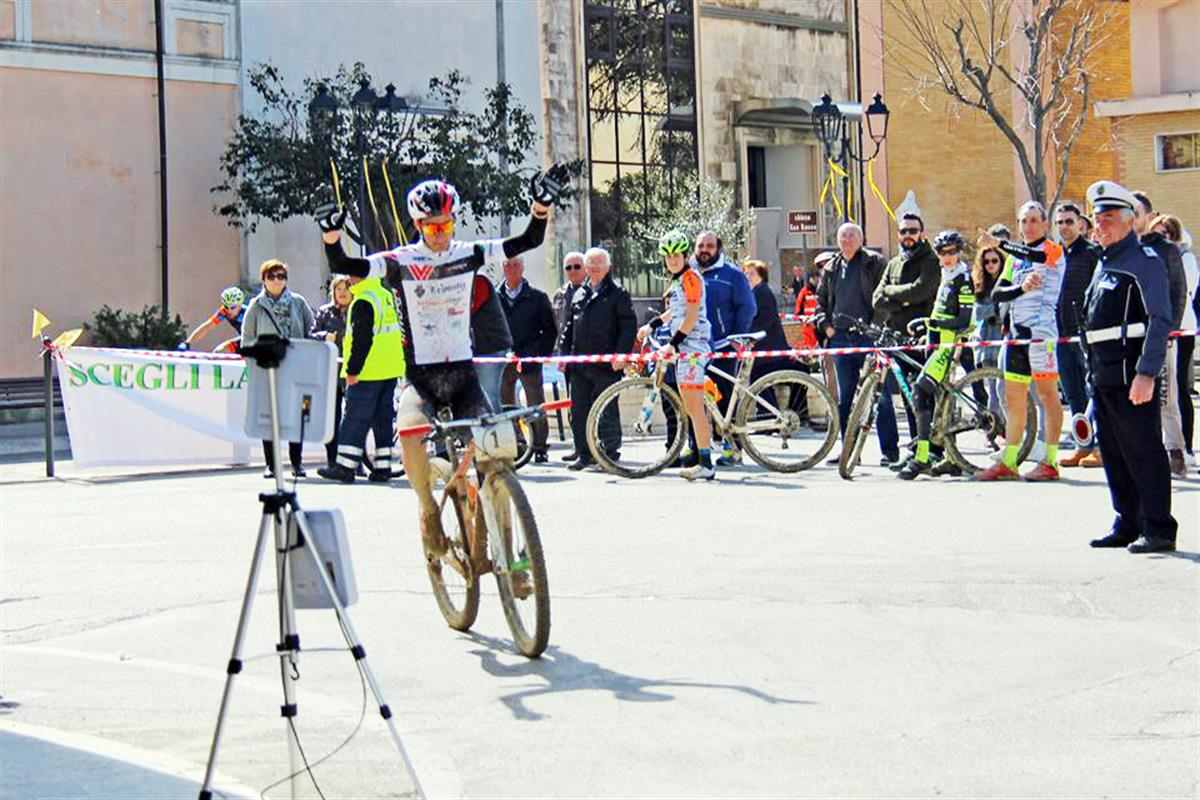 Bikepro Cantina Sincarpa Valente