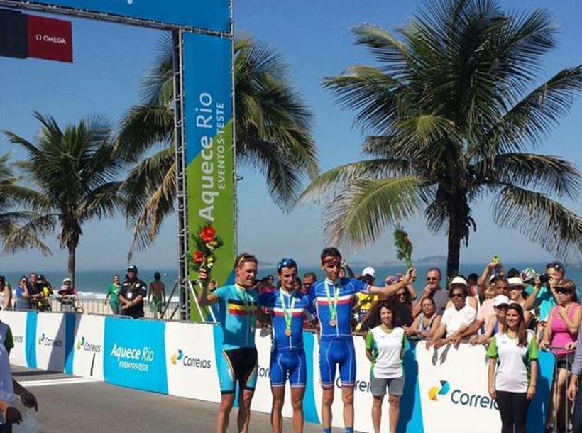 Tes evet Rio podio